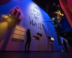 Las mejores imágenes de la exhibición en Londres por los 50 años de Pink Floyd.