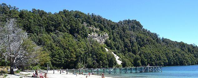 Piden que se incorporen guardavidas en playa de Lago Espejo