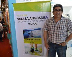 Héctor Jose presentó su primer libro sobre Villa La Angostura.