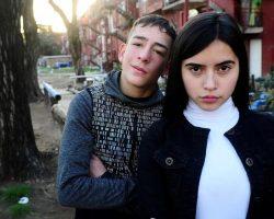 Conocé a Leila Uñate, la joven de Fuerte Apache que triunfa en la serie de Tevez