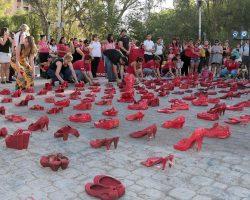 """Neuquén se sumó a la iniciativa mundial de los """"Zapatos Rojos"""""""