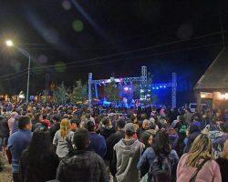Villa La Angostura vivió los festejos de carnavales a pura fiesta y con ocupación plena