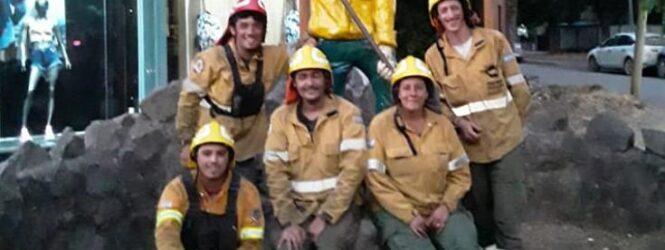 Brigadistas angosturenses se sumaron a combatir el incendio en El Bolsón